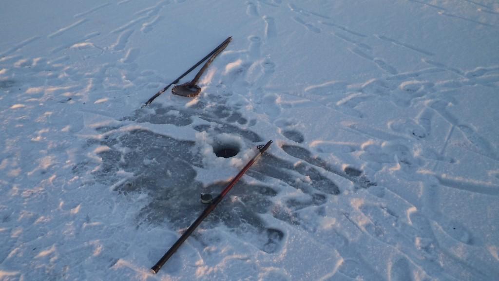 Подледный лов на поплавок