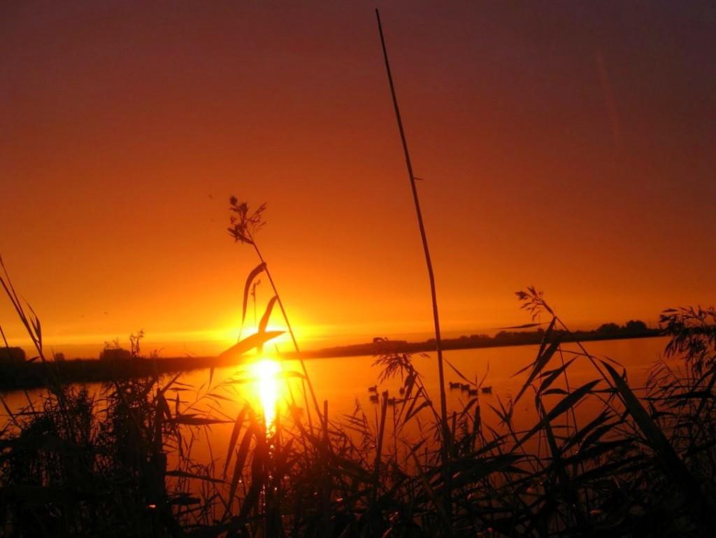 Закат на рыбалке