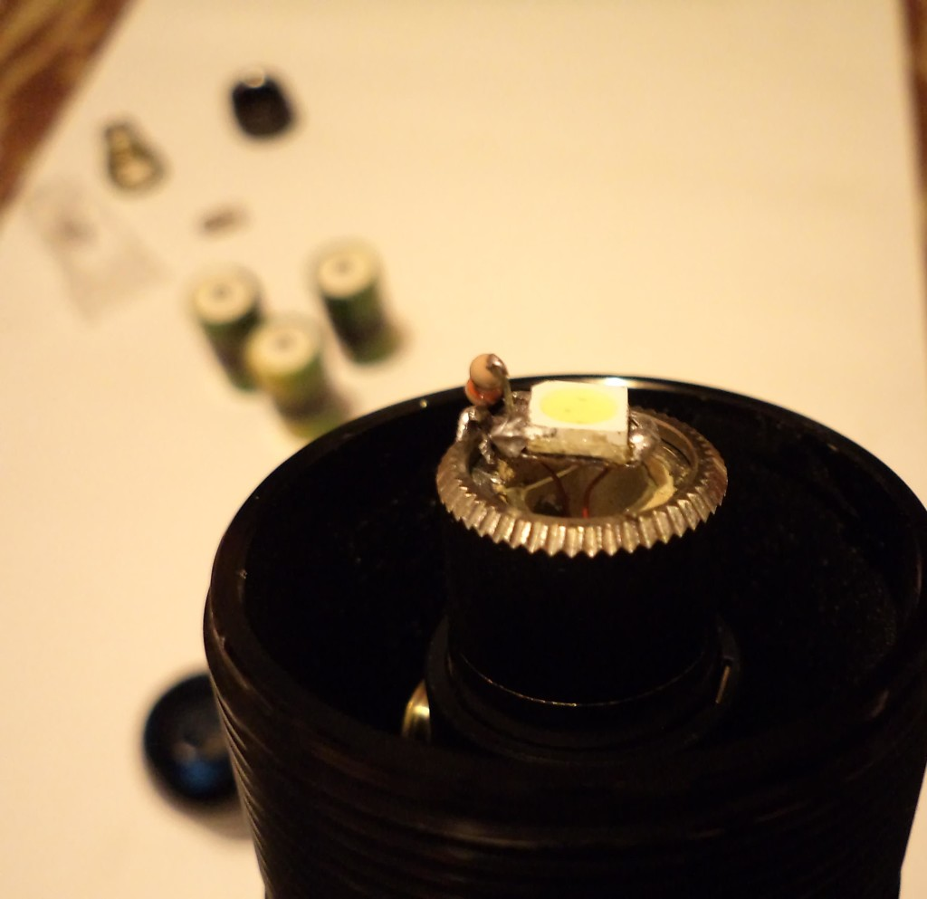 Самодельный светодиодный модуль на Maglite